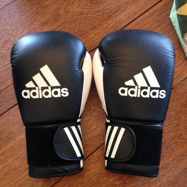 Luva de luta/boxe/muay thai adidas 12oz