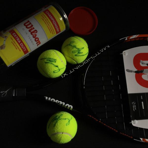 Raquete de tênis wilson matchpoint xl autografada + três