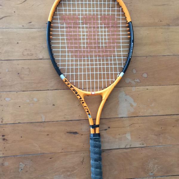 Raquete de tênis wilson titanium 3 - preto e laranja
