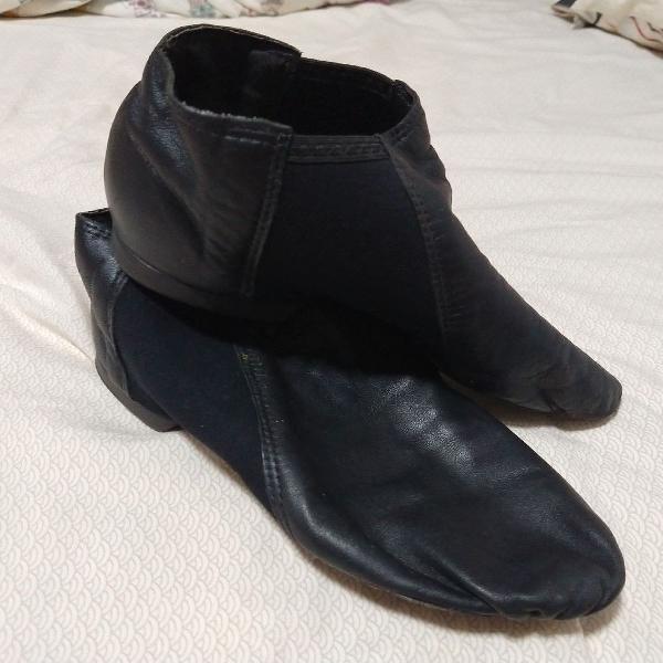 Sapatilha bota preta