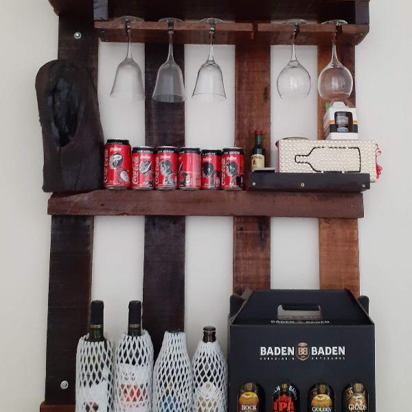 Bar suspenso