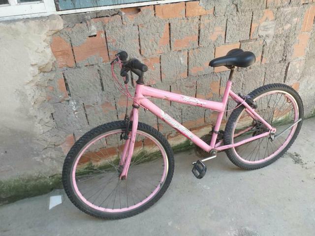 Bicicleta poti boa com 21 marchas só 200 à vista
