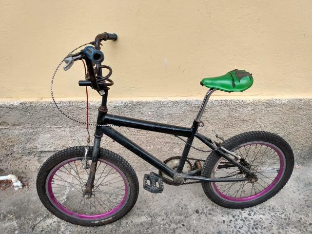 Bicicleta juvenil aro 20 preta pro tork