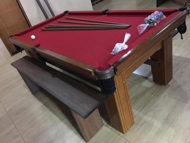 Mesa madeira carlin bilhares | mesa imbuia | tecido bordô |