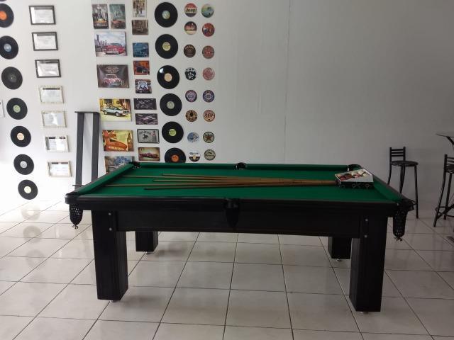 Mesa madeira de redes | mesa preta | tecido verde | modelo: