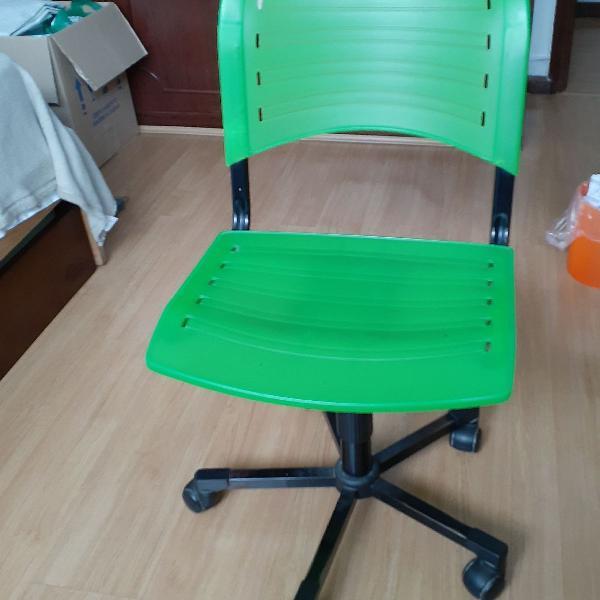 Cadeira de escritório verde