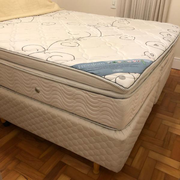 Cama box + colchão queen