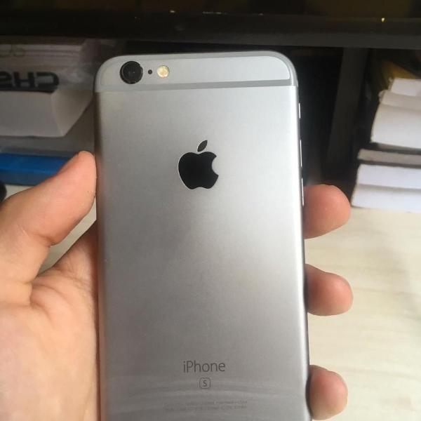Iphone 16gb na caixa cinza espacial