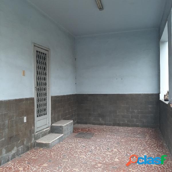 Excelente casa duplex c/5 quartos, varanda e garagem - quintino