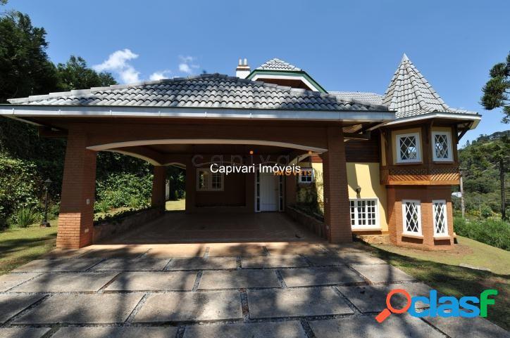 Casa em Condomínio fechado com 4 dormitórios - Região de Capivari.