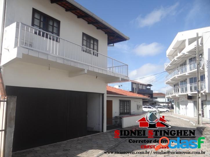Ótimo investimento em Bal. Barra do Sul-SC. Imóvel central com 03 salas comerciais e mais 07 apartamentos. 2