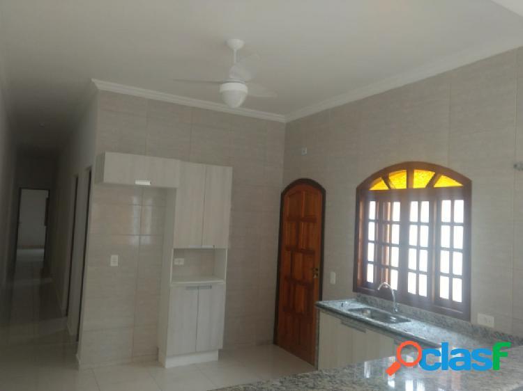 Casa nova - 3 dormitórios -excelente acabamento a 300m praia-itanhaém sp