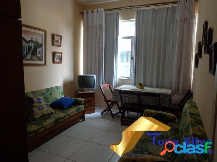 Excelente apartamento, em ótima localização próximo á praia do forte!!