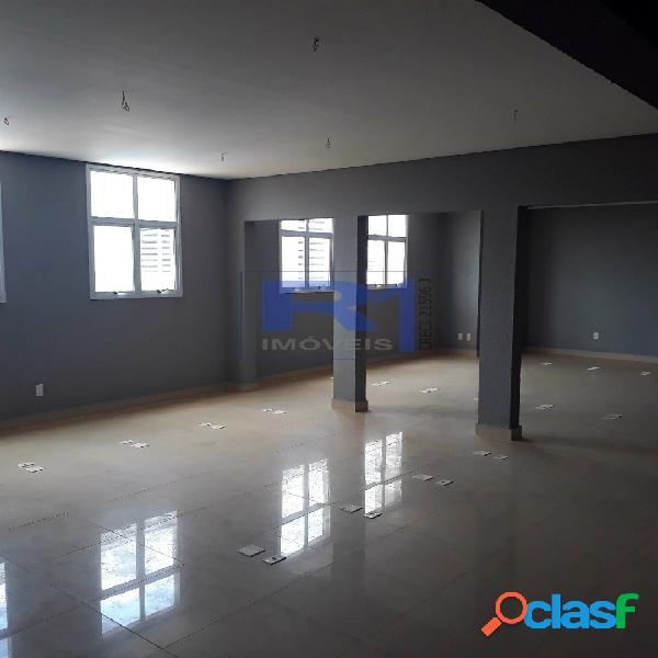 Sala Comercial Black White 200 m2 2