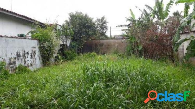 Terreno em bairro urbanizado limpo e aterrado