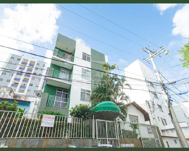 Apartamento três quartos para venda na pituba
