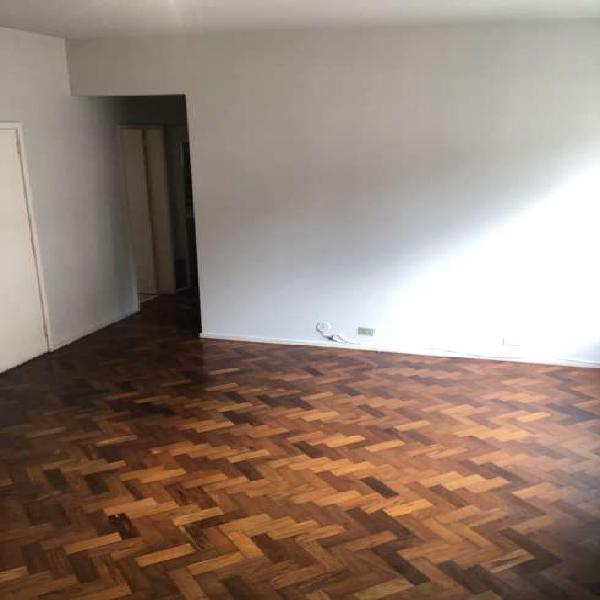 Apartamento para aluguel possui 76 metros quadrados com 2