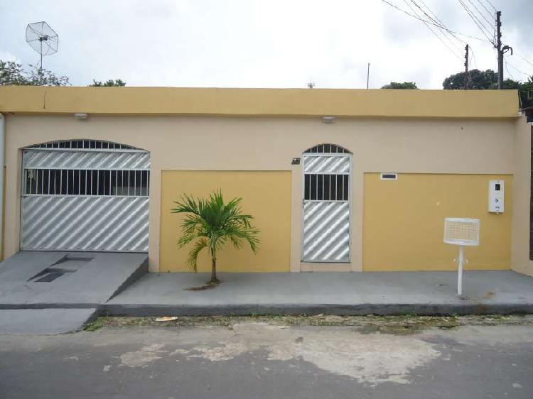 Casa residencial à venda com 4 quartos sendo 2 suítes na