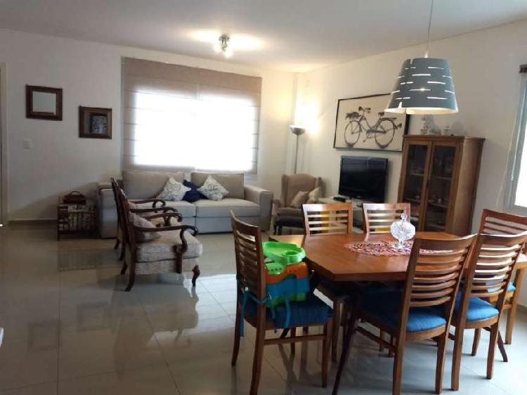 Aluguel temporada e venda, linda casa c/ 3 suites em