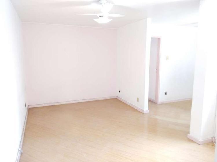 Apartamento 2 quartos com sala ampliada em São Cristóvão