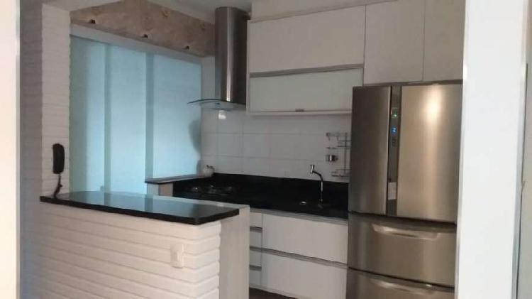 Apartamento à venda, com 66 m², 2 suítes, semi mobiliado,