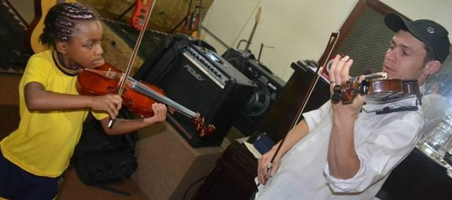 Aulas de Violino & Violoncelo na Serra da Cantareira e