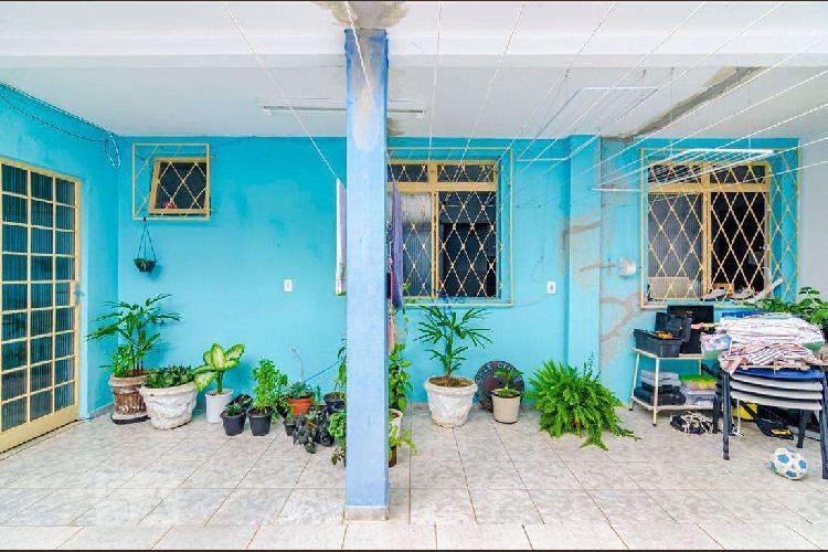 Casa comercial, sagrada família, 3 quartos, 2 vagas