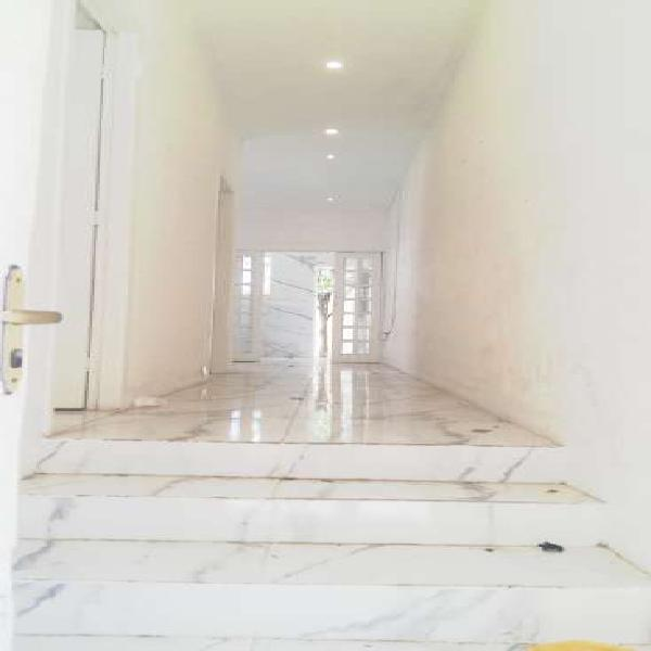 Casa para aluguel com 100 metros quadrados com 2 quartos em