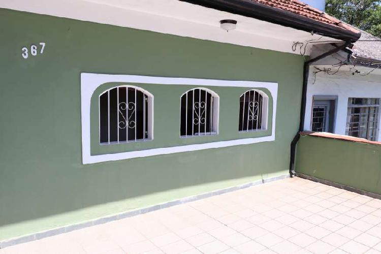 Casa para venda possui 120 metros quadrados com 3 quartos em