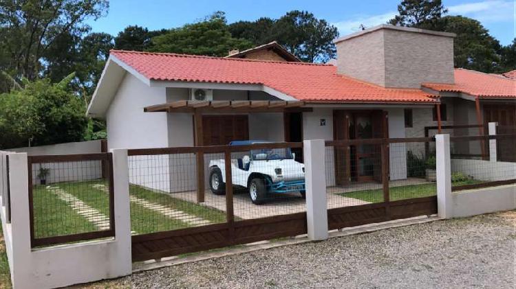 Casa para venda possui 73 metros quadrados com 2 quartos 2
