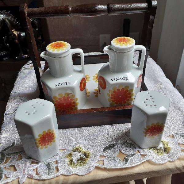 Galheteiro de porcelana