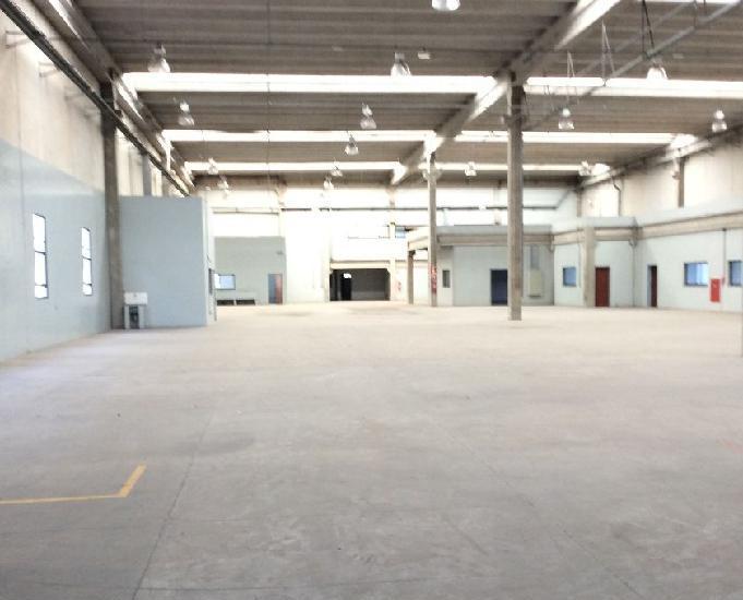 Galpão com 3.660 m² em alphaville - barueri