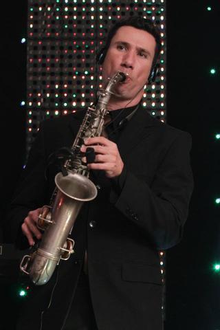 Professor de saxofone / aula / sax / zona leste / vila