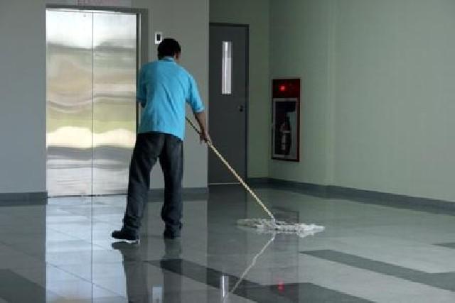 Terceirização de mão de obra de limpeza e portaria