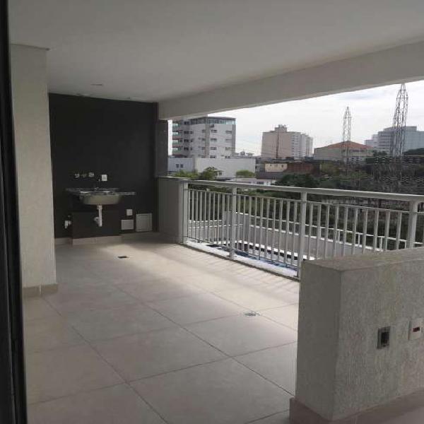02 dormitórios, com amplo terraço próximo ao metro