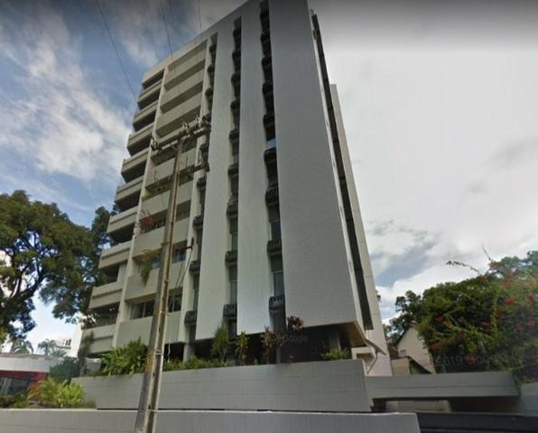 Aluguel de apartamento no derby 3 quartos sendo 1 site
