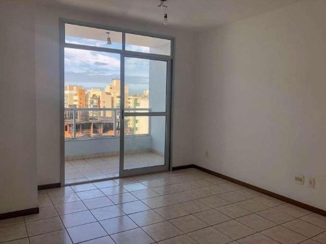 Apartamento com 2 Quartos à Venda, 74 m² por R$ 340.000