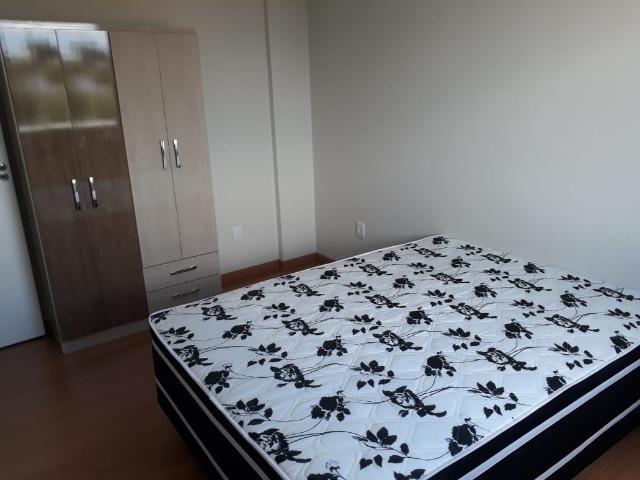 Apartamento/kitinete, mobiliada, direto com o dono. próx.
