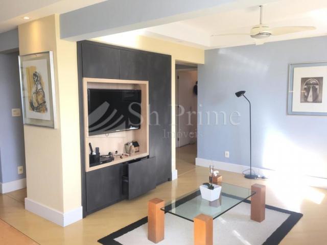 Excelente apartamento semi mobiliado para locação em