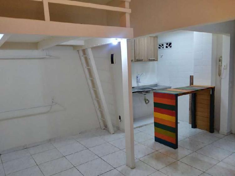 Kitnet/Conjugado para locação possui 20 m² com 1 quarto