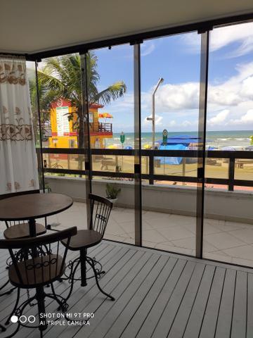 Maravilhoso apartamento frente mar em meia praia