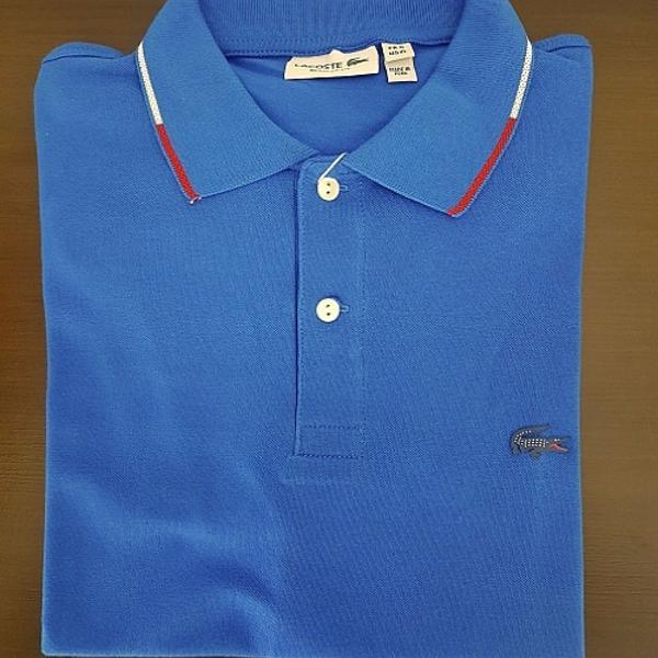 Camisa polo masculina lacoste azul logo emborrachado