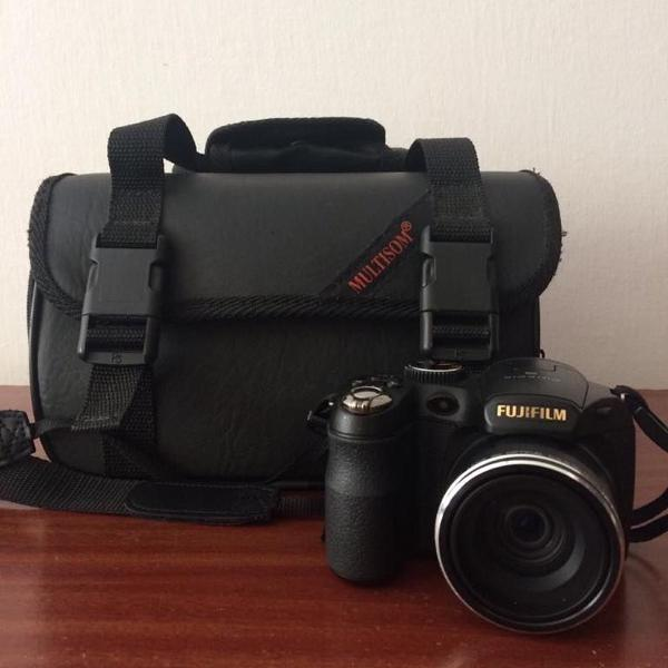Câmera fotográfica fujifilm finepix s + tripé targus