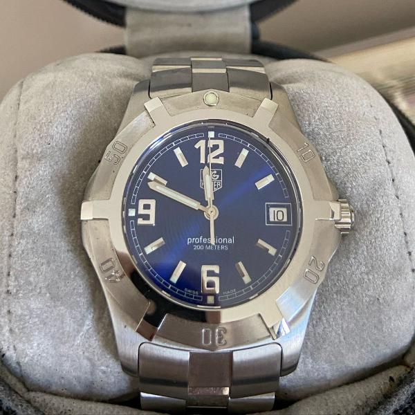 Relógio tag heuer fundo azul masculino