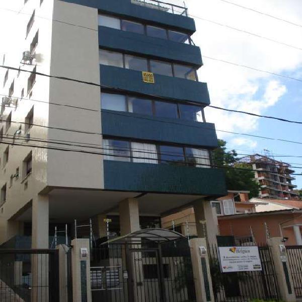 Timo apartamento seminovo, 3 dormitórios sendo 1 com