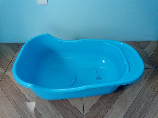 Banheira de bebê azul + saboneteira