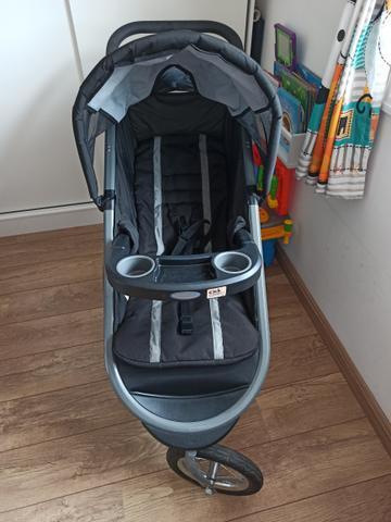 Carrinho de bebê gracco fast action + bebê conforto
