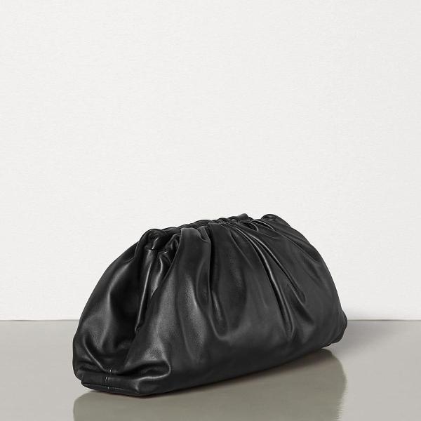 Bolsa bottega veneta clutch the pouch 20 de couro preto