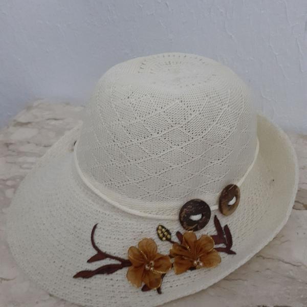 Chapéu verão com flores