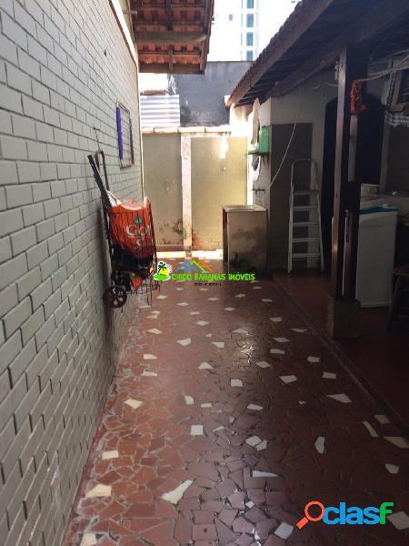 Casa Isolada 03 dormitórios sendo 01 suíte, com piscina ótimo Local - 2